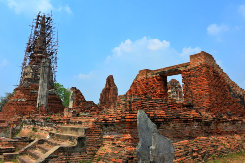 Destination: Wat Mahathat — an ancient temple with relics of the Buddha (Ayutthaya, Thailand) - Thailand -