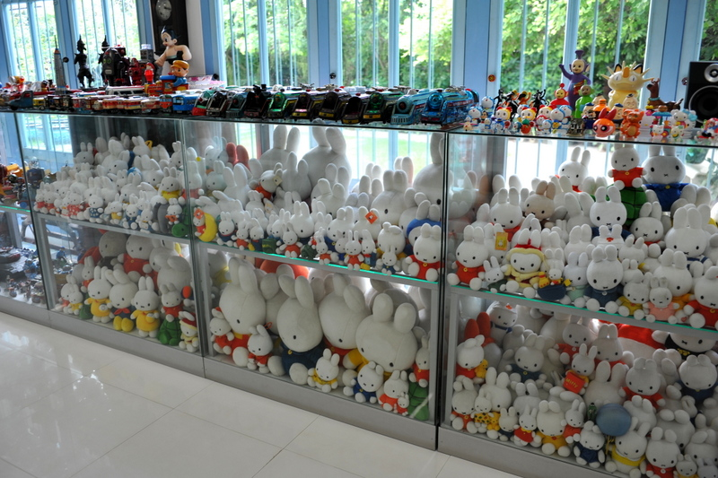 Destination: the Million Toy Museum — dancing Fiona's, Ultra Man's, and plush bunnies in cabinets… - Thailand -