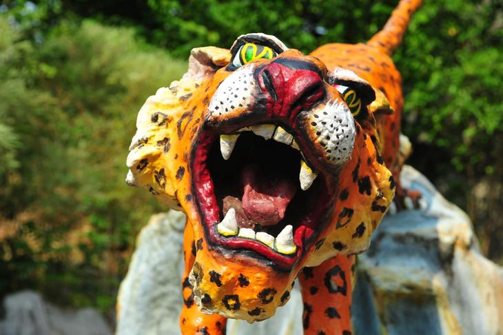 See the Ten Courts of Hell in Singapore — Destination: Haw Par Villa