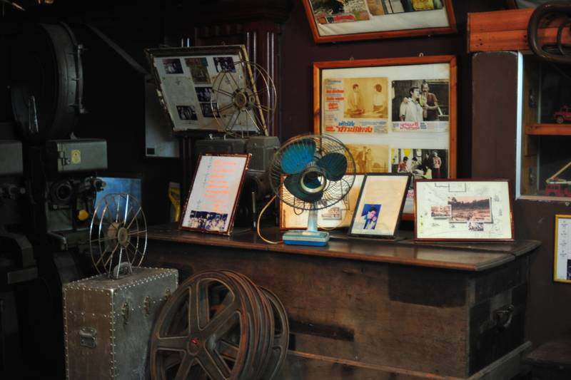Destination: Thavorn Hotel Lobby Museum — two steps to go decades back in time (Phuket, Thailand) - Thailand -