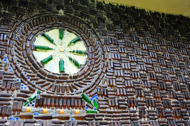 Destination: Wat Lan Kuad – the temple made from a million glass bottles (Sisaket, Thailand)