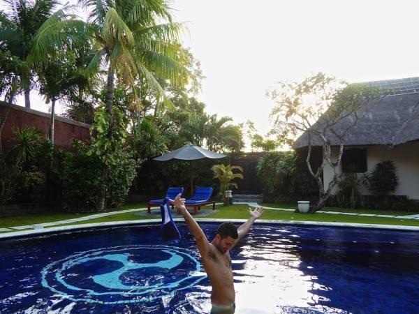 Fun Things to do Around the World While Naked (SFW) - Fun stuff -
