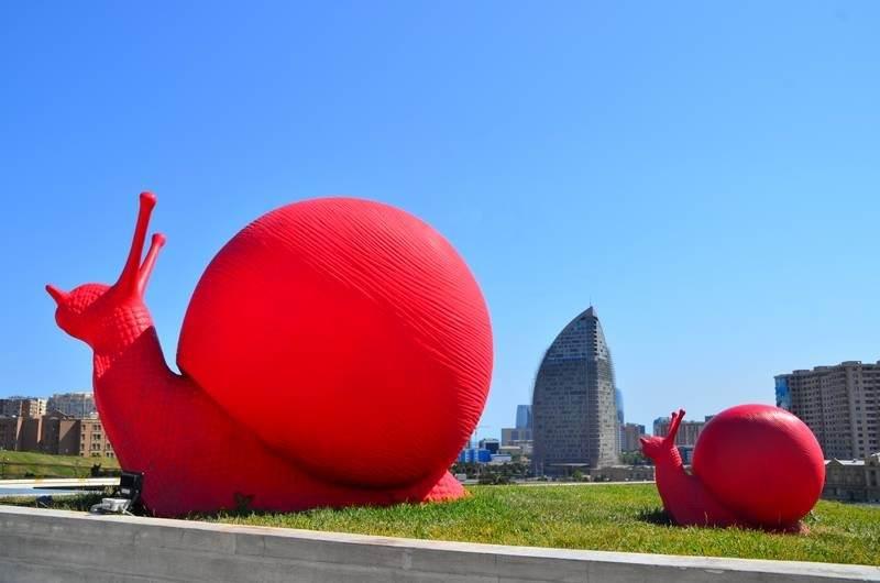 Baku, Azerbaijan Heydar Aliyev Cultural Centre snails