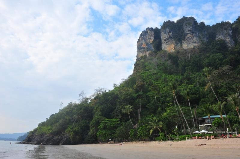 Destination: Ao Nang — the beach with massages, monkeys and another secret beach (Thailand)